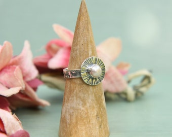 Silver Ring with Freswater Pearl - Off white