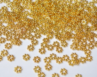 100 Gold Daisy Spacer Beads beaded rondelle 5mm PE047-G