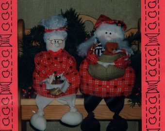 Free Us Ship Craft Sewing Pattern Appleblossom Hollow Knot Doll  Collection 1992 Christmas Holiday Mr. Mrs. Santa Uncut Alene Shurtleff