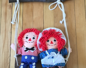 Vintage 1980s Raggedy Ann Andy Dolls Swing Wall Hanging!