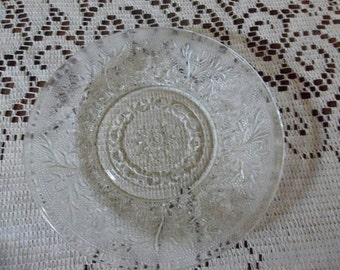Tiara sandwich glass plates