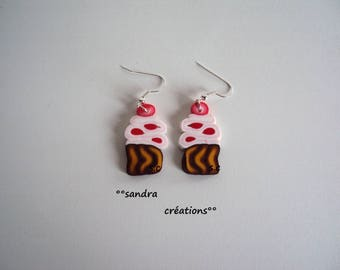 cup cake pink red earring