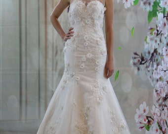 Gorgeous 3D lace illusion neckline bridal gown, white mermaid wedding dress