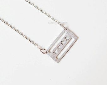 Chicago flag necklace in silver, Chicago necklace, dainty chicago flag necklace, chicago souvenir, chicago love, remember chicago