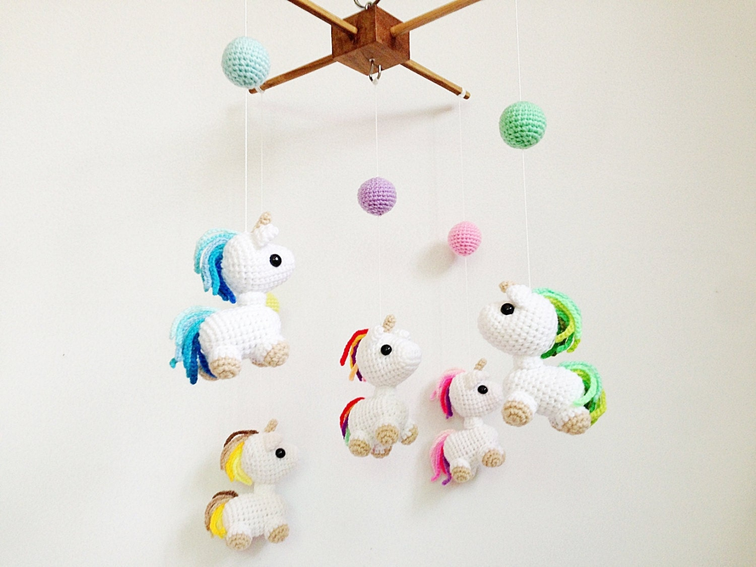 Baby Mobile Amigurumi Unicorn In Wonderland Crib