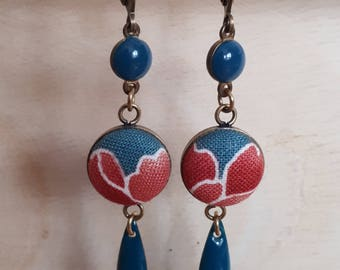 Earring cabochon navettes, blue enameled beads and Japanese fabric
