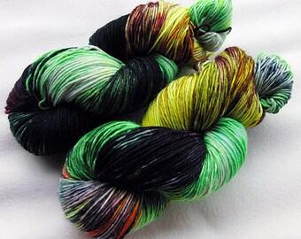 Handpainted  DK Sock Yarn, 75 Wool , 25 Nylon 200g 7.0 oz.  Nr. 149