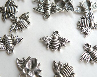 10 Honey Bee charms antique silver 16x21mm DB11362