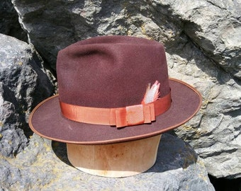 Vintage fedora by Mallory