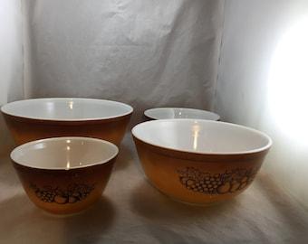Vintage Pyrex Bowl Set Brown/Gold in Old Orchard Pattern 4 Nesting    02002