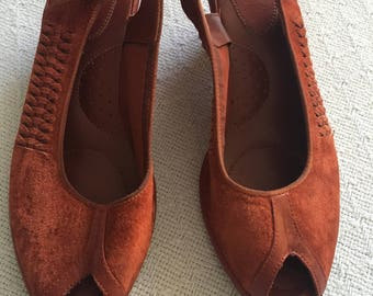 Vintage 70's shoes/brown wedge sandals/women's 70's high heels