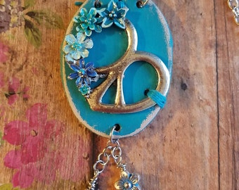 PeAcE Heart FloWeR Leather Necklace> Boho Necklace/ Peace Sign/ Heart Jewelry/ Statement Necklace/ Boho Gypsy Style/ Hippie/ Turquoise