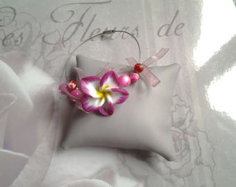 Bracelet wire flower tiara, pearls and ribbons