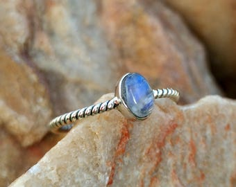 Natural  Rainbow Moonstone Silver Twisted Band Handmade Ring - 925 Sterling Silver