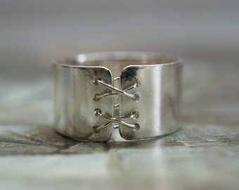 Silver Corset Ring, Laced Front, Unique, Quirky Ring, Steampunk, Goth, Alternative Ring, wide band ring