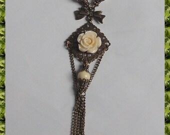 Necklace bronze retro pink ivory