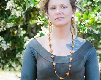 Dyed magnesite and tigers eye necklace set