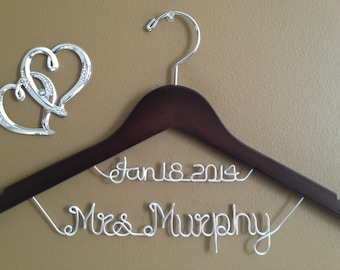 Bridal Hanger,Personalized Wedding Hanger,Personalize date Hanger,Brides Hanger,Name Hanger,Wedding Hanger, bridesmaid gifts,Aniversary gift