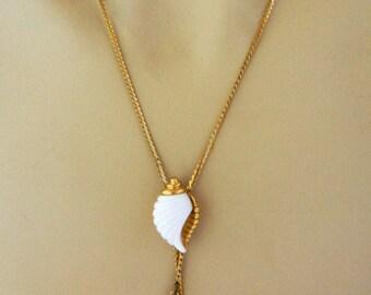 Vintage Avon Sea Shell Lariat Necklace, Statement Necklace, Beach, Boho Chic, Gold Tone, Signed, Retro, Costume Jewelry, Avon Jewelry