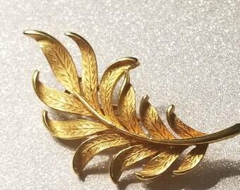 Vintage Goldtone Leaf Pin Brooch Signed J.J
