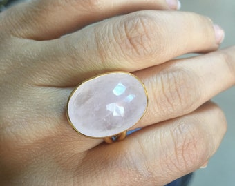 Rose Quartz Pink Ring made with sterling silver coated in 18K gold, one big oval rosequartz ring