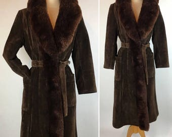 Vintage Saks Fifth Avenue Chocolate Brown Suede & Shearling Tie Front Coat, 80s Brown Suede Trench Coat with Shearling Lining, Collar, Trim