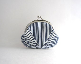 Coin Purse- Change pouch- Kiss Lock Coin Case- navy blue line art