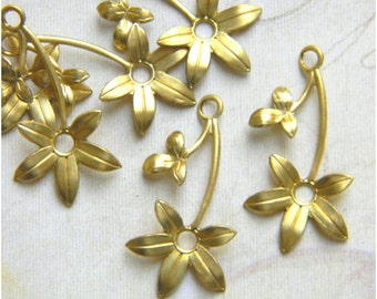 Raw Brass Flower, Brass Leaf Stamping, Flower Charm, Charm Drop 16mm x 30mm - 6 pcs. (r143)