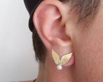 Gold Stud Earrings - wing stud earrings , pearl earrings ,  gold wing earrings , gold pearl earrings , wedding jewelry , wedding earrings
