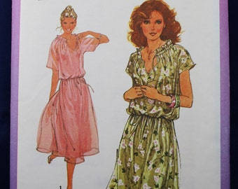 Dress Sewing Pattern in Size 10 - Simplicity 8588
