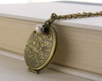Round Picture Locket Floral Jewelry Locket Necklace Teens Jewelry Gift Idea Simple Locket Photo Locket Jewelry