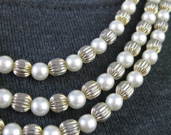 Triple Strand Bead Necklace / Vtg /  Faux Pearls and Silver Tone Triple Strand Bead Necklace