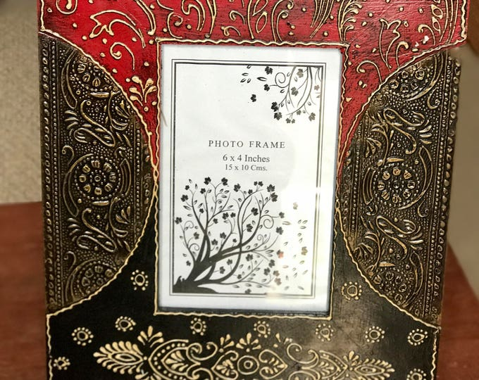 Red / black wood picture frame from India, 8x10 photo frame fits 4x6 pics, handmade painted and embossed wood frame with brass fitting