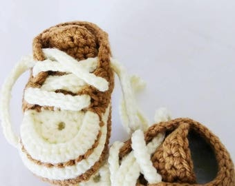 Baby Boys 3-6 Months Converse Style Shoes / Crochet / Handmade / Brown and White Boys Booties / Photography / Baby Shower / Gifts