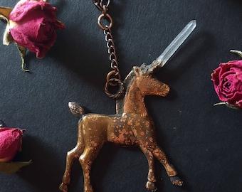 Unicorn Necklace - Unicorn with Quartz Horn - Quartz Unicorn Necklace - Copper Plated Unicorn Pendant with Quartz Crystal Horn - Estmeria