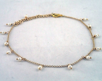 """Teardrop Necklace in Pearls - 14.5"""" gold and pearl necklace"""
