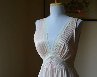 Vintage Pale Pink Long Nightgown Size Extra Small By Gilead