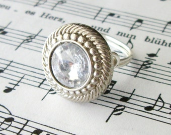 Vintage Rhinestone Button RIng