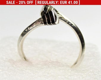 Traditional Tuareg Silver Ring, US Size Nr. 9, Vintage Handmade African Silver Ring with Ebony and Tuareg Geometric Chisseling