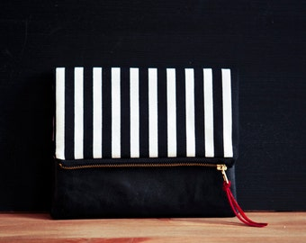 Heimarbeit- Design Clutch -BLACK