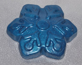 Snowflake Recycled Crayons, Total of 10 Limited Edition Color.  Boy or Girl Kids Unique Party Favors, Crayons.