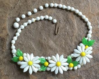 1960s Daisy Chain Coachella choker necklace