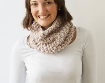 Scarf MARIE in Pearl Grey | Infinity Scarf | Chunky Knit