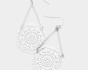 Filigree Disc Metal Bar Earrings - Silver