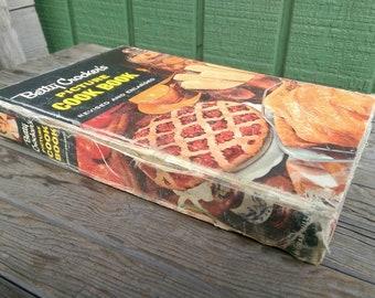 1956 Second Edition First Printing Betty Crocker's Picture Cook Book Hardcover