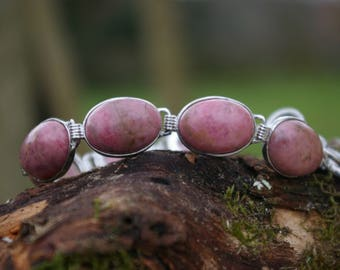Rhodonite bracelet, heals the wounds of the past