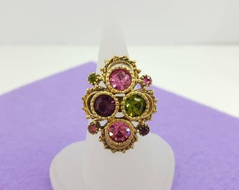 Sarah Coventry Austrian Lights  Ring 1973 Purple Magenta and Pink set in Gold tone