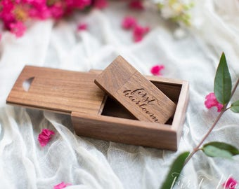 25 Handmade WALNUT wood SETS / comes with 16gb flash drive and matching box
