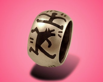 KEITH HARING RING.  Silver Art.