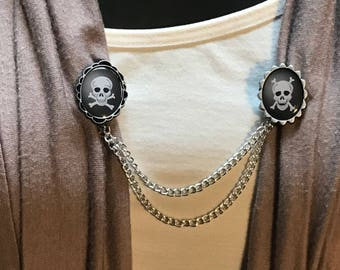 Sweater Clips: Skull and Cross Bones  One Mouth Open
